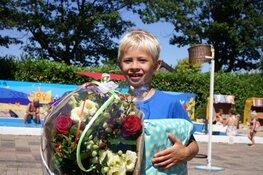 Al vroeg in het seizoen 25.000ste bezoeker bij Zwembad de Bever