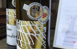 """Langedijker wijnboer valt weer in de prijzen: """"Goud voor dessertwijn"""""""