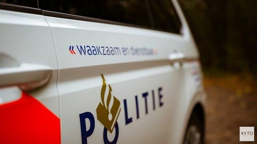 3 auto's betrokken bij botsing op N242 naast Waarland