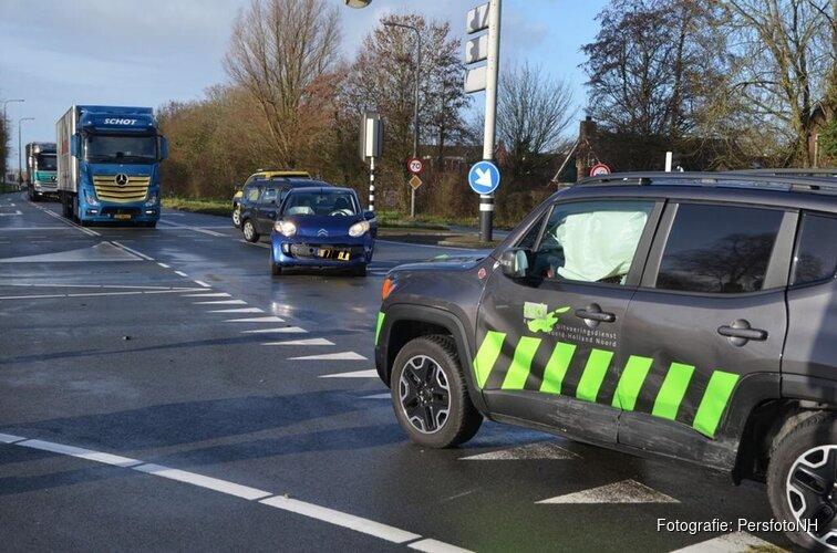 Twee auto's total-loss op Provincialeweg