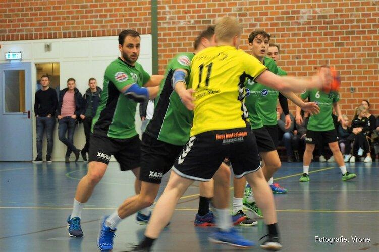 Handballers Vrone blijven in de titelrace