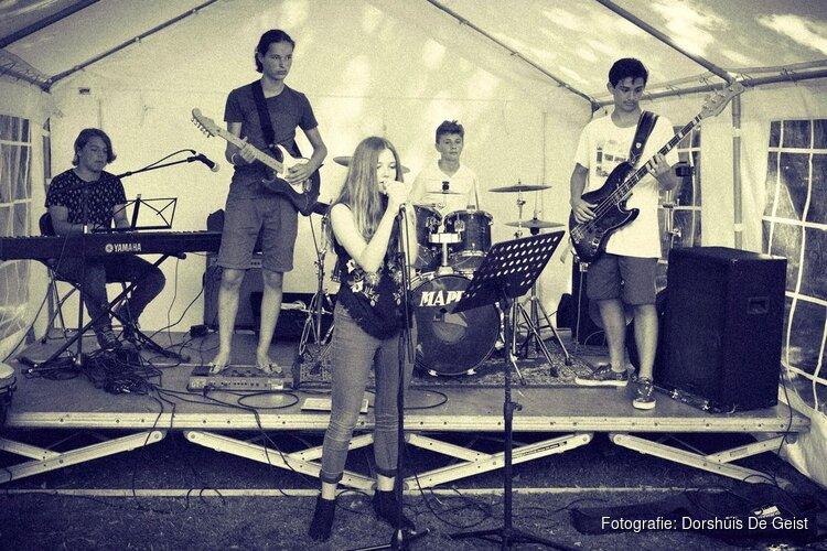Koningsdag: Muziekspektakel bij dorpshuis De Geist