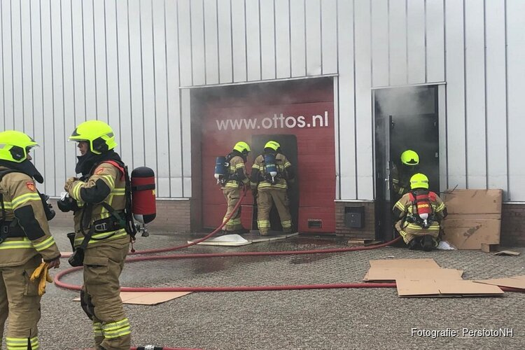 Brand in bedrijfspand Broek op Langedijk onder controle