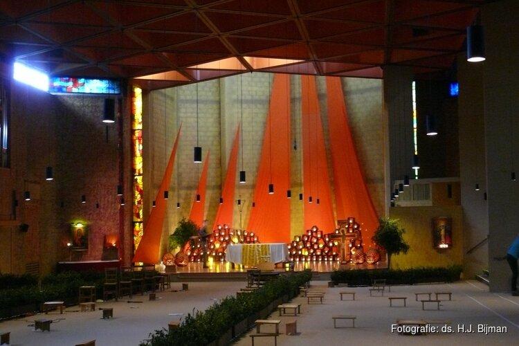 """Taizéviering in de Witte Kerk Sint Pancras 06 oktober 2019 met thema """"Vergeet de Gastvrijheid niet"""""""