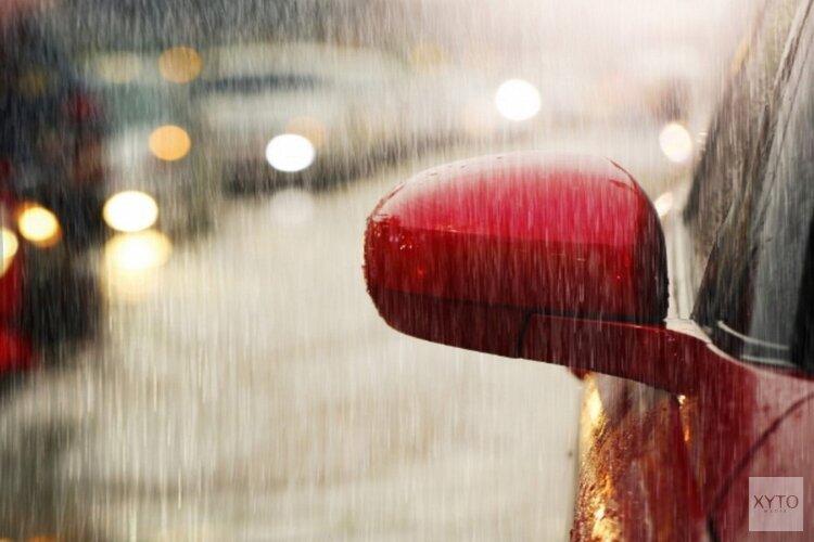 Regen en ochtendspits zorgen weer voor drukte op de weg