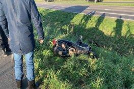 Vrouw loopt hoofdwond op na val met snorscooter