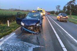 Drie auto's afgesleept en een gewonde op N242