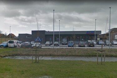 Sloop voormalige Aldi en bouw supermarkt en 12 woningen op voormalige 'bieblocatie' aanstaande