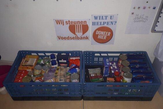 Inzameling van houdbare voedingsmiddelen voor voedselbank Alkmaar eo - Langedijkerdagblad.nl