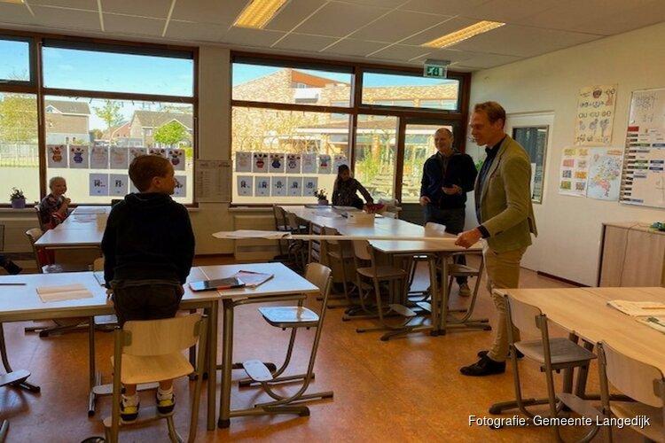 Wethouder bezoekt schoolopvang Broek op Langedijk