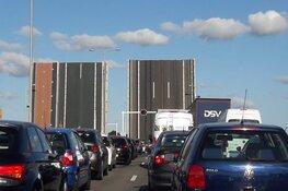 Opnieuw problemen met Leeghwaterbrug. Verkeer richting Heerhugowaard staat vast