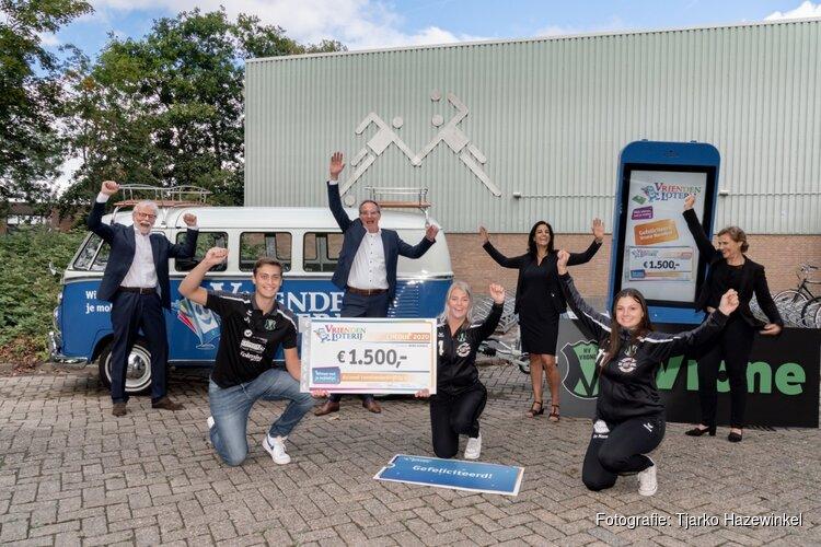Vrone Handbal uit Sint Pancras ontvangt 1.500 euro extra van VriendenLoterij