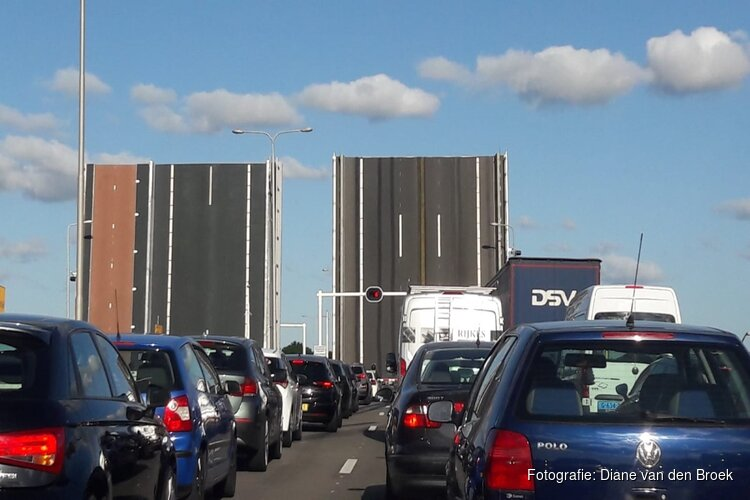 Opnieuw storing Alkmaarse Leeghwaterbrug op bloedhete dag