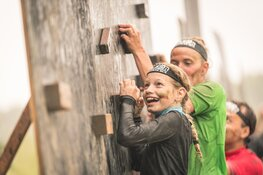 35 Baggervette obstakels overwinnen tijdens de Major Family Obstacle Run op 13 september