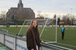 Het jaar van Daphne van Domselaar, over FC Twente, LSVV, Oranje en voetballen in coronatijd