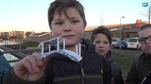 """Langedijker leerlingen willen veilig naar school: """"Het is hier heel druk met auto's"""""""