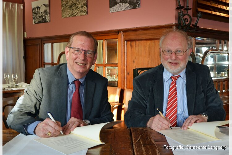 Hoogheemraadschap en gemeente Langedijk ondertekenen intentieovereenkomst om water beter te benutten