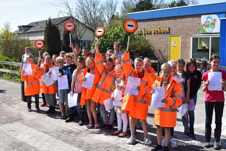 Nieuwe verkeersbrigadiers Waarland in de startblokken