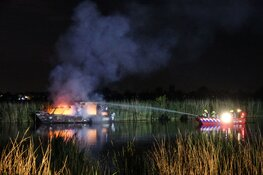Boot door brand verwoest