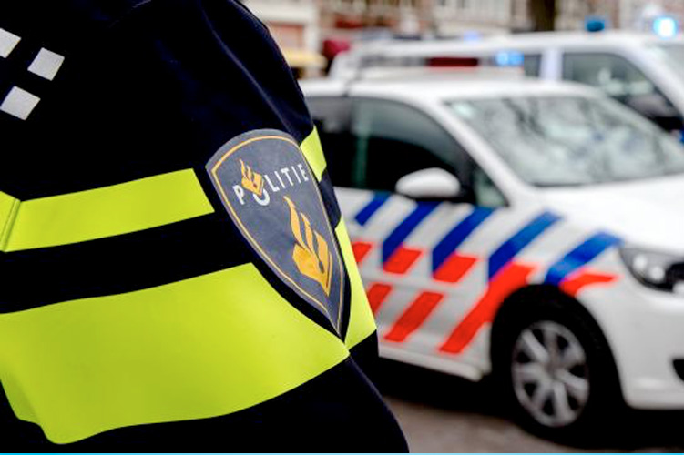 Grote controle naast Afas stadion
